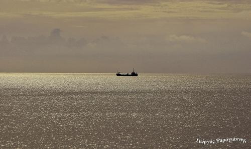 Εμπορικό πλοίο στο πέλαγος